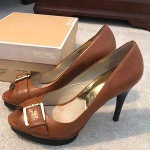 Michael Kors size 10 peep toe pumps
